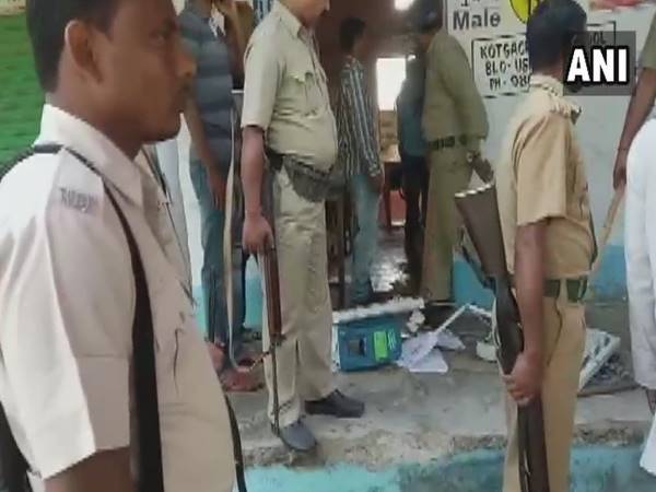 West Bengal: An EVM was vandalized during a clash between TMC and BJP workers in Chopra