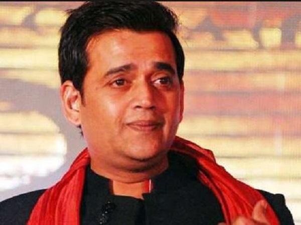गोरखपुर से चुनाव लड़ रहे एक्टर रवि किशन इतनी संपत्ति के हैं मालिक, दो असलहों का भी किया खुलासा