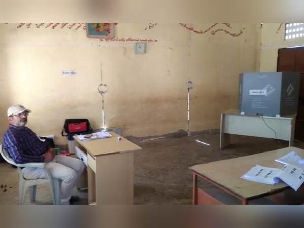 गुजरात के कई गांवों में हुआ मतदान बहिष्कार, यहां पोलिंग बूथों पर नहीं दिखी कोई कतार