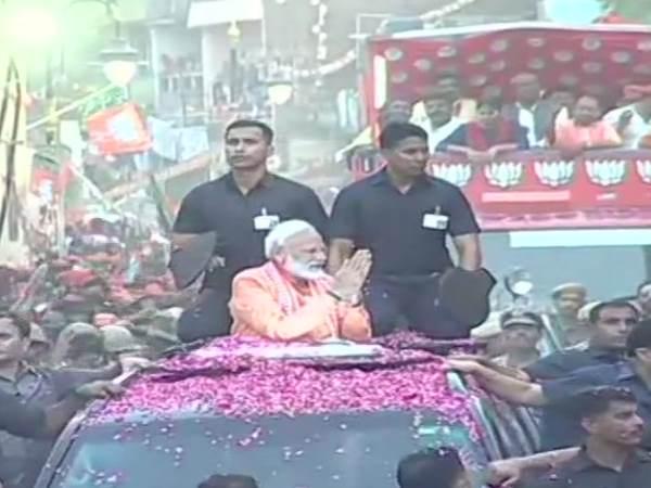 लोकसभा चुनाव 2019: वाराणसी में नरेंद्र मोदी का रोड शो, देखिए वीडियो