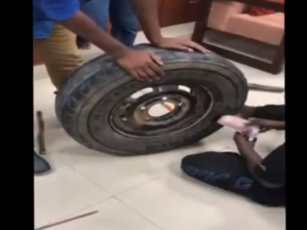 VIDEO: आयकर विभाग की छापेमारी में कार के स्पेयर टायर में से 2.30 करोड़ रुपए बरामद