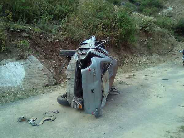Three people died in road accident in Pauri