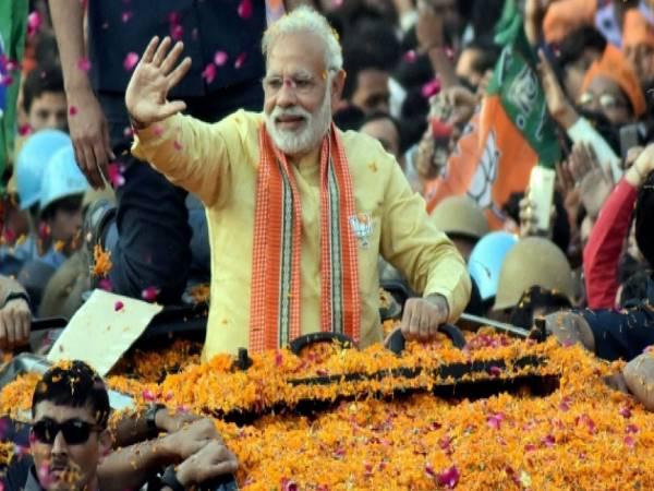 आज गंगा मईया के शरण में पहुंचेंगे PM नरेंद्र मोदी, रोड शो के बाद शुक्रवार को करेंगे नामांकन