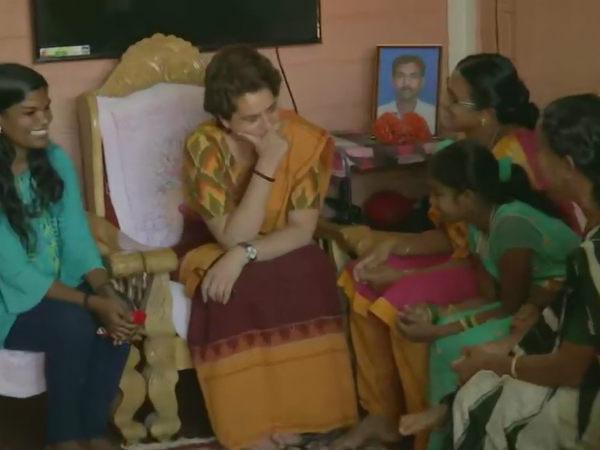 वायनाड में पुलवामा के शहीद के परिवार से मिलीं प्रियंका