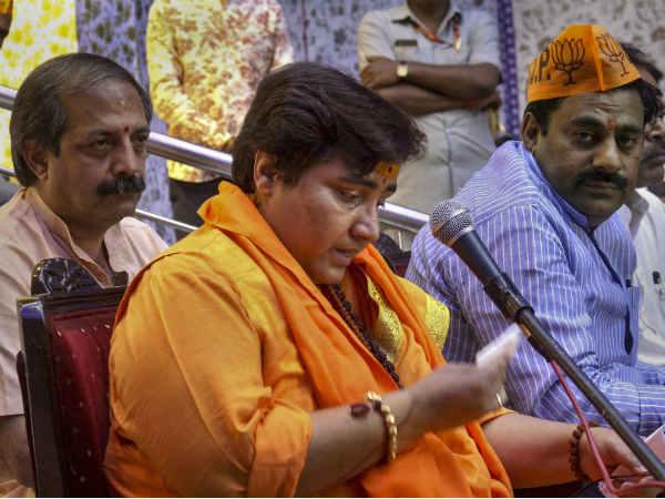 प्रज्ञा ठाकुर की बढ़ी मुश्किल, अयोध्या वाले बयान पर चुनाव आयोग सख्त