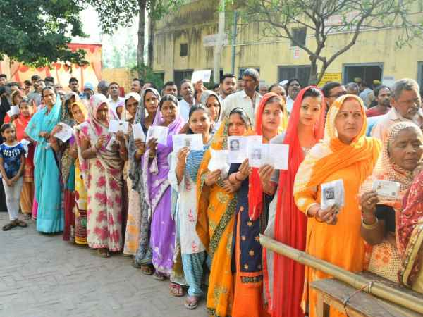 कड़ी सुरक्षा की बीच शुरू हुई वोटिंग