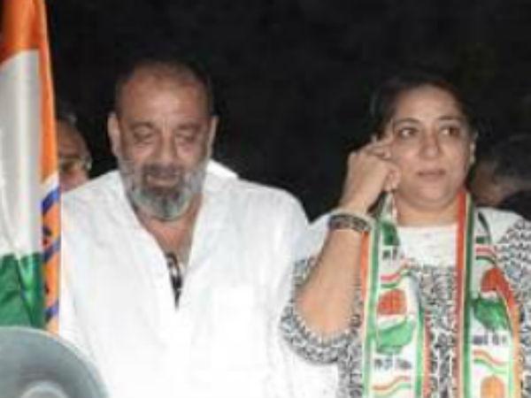 प्रिया दत्त के रोड-शो में नजर आए भाई संजय दत्त, बहन के लिए लोगों से मांगा वोट, देखें तस्वीरें