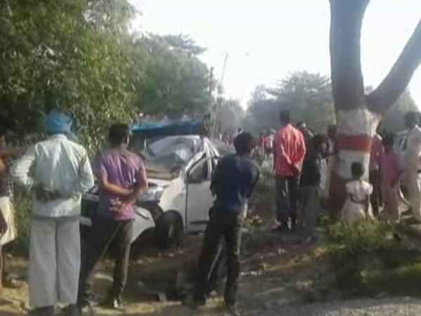three people died in road accident in sitapur