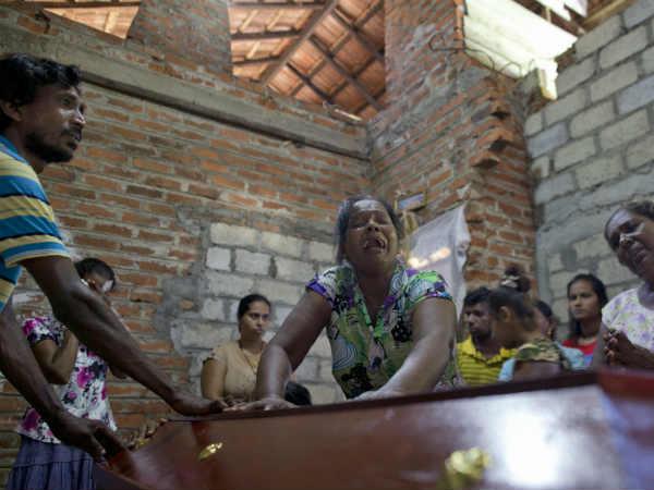 Sri Lanka Blast: पीएम विक्रमसिंघे के मंत्री बोले इंटेलीजेंस ऑफिसर्स हमलों के बारे में जानते थे !