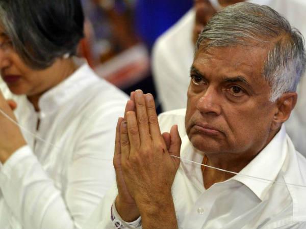 यह भी पढ़ें: पीएम विक्रमसिंघे ने आतंकी हमलों के बाद जनता से कहा मुझे माफ कर दीजिए