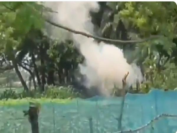 पश्चिम बंगाल: मुर्शिदाबाद में TMC-कांग्रेस कार्यकर्ताओं के बीच झड़प, लाइन में खडे़ वोटर की मौत