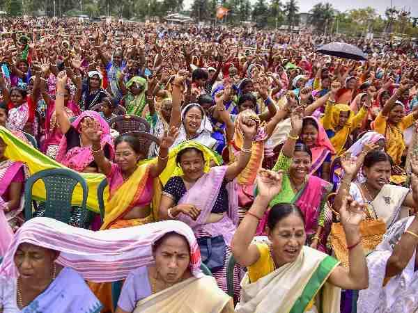<strong>महिलाओं के सवालों को कितना संबोधित करते हैं कांग्रेस और भाजपा के घोषणापत्र</strong>