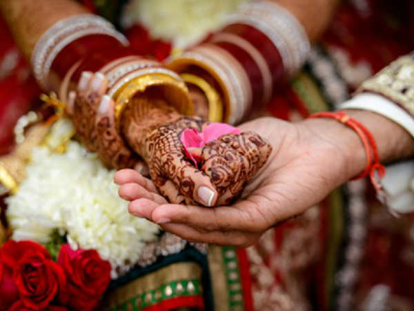 Father refused to marry daughters to see groom drunk