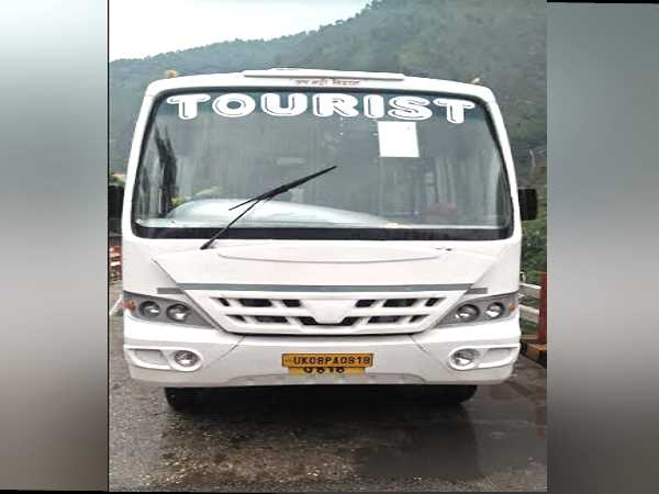 A Bus driver saved 30 passengers in Uttarkashi