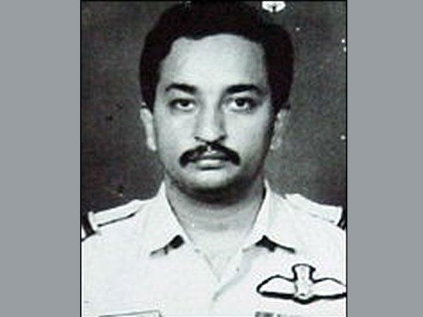 Video: कारगिल शहीद स्क्वाड्रन लीडर अजय आहूजा को आसमान में IAF चीफ ने MiG-21 उड़ाकर दी श्रद्धांजलि