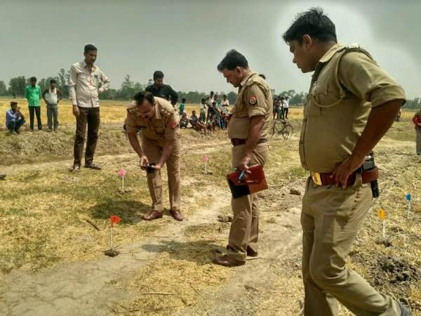 14 year old girl found dead in shahjahanpur