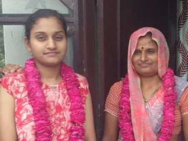 Dausa Student Payal Topper of RBSE Arts Result 2019