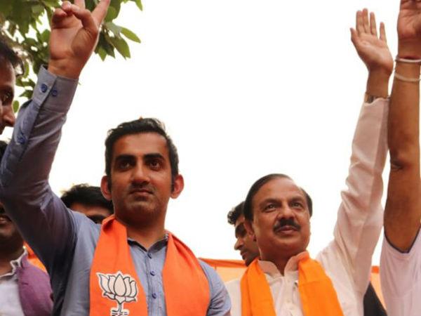 यह पढ़ें:गुरुग्राम की घटना पर गौतम गंभीर के ट्वीट से BJP के कई नेता खफा, दे दी ये नसीहत