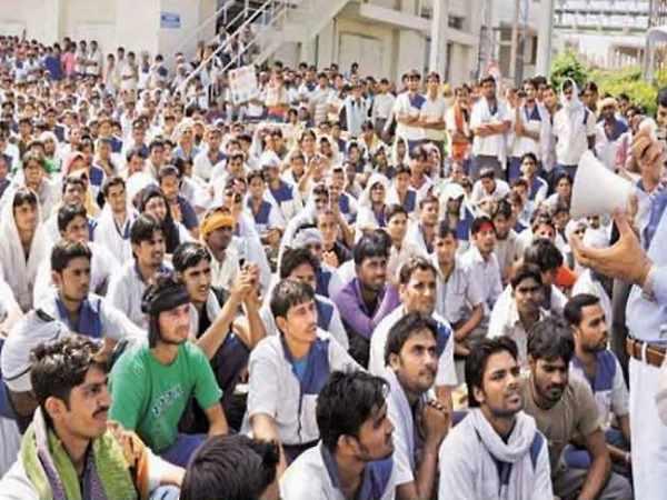 हाईकोर्ट ने गुजरात में लाखों कर्मचारियों को दी राहत, दोषी पाए जाने तक नौकरी से नहीं निकाल सकती सरकार