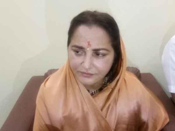 Lok Sabha Results 2019: रामपुर में जया प्रदा ने आजम खान को फिर छोड़ा पीछे