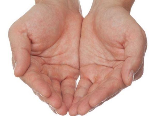 Palmistry: हाथ में है सुमन रेखा तो हो सकती है कोई बड़ी बीमारी