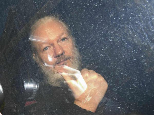 जूलियन असांजे की मुश्किलें और बढ़ीं, रेप के आरोप की जांच फिर शुरू करेगा स्वीडन