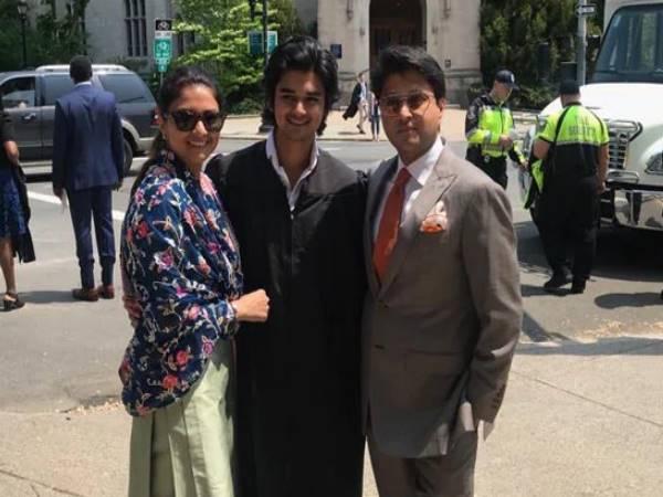 बेटे के साथ ज्योतिरादित्य सिंधिया ने शेयर की तस्वीर, तो इस एक्टर ने कहा- इसे अभिनेता बनने दो