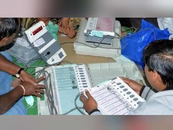 Election results 2019 : NDA leading than Congress-led mega alliance in jharkhand