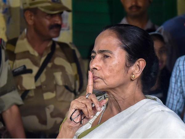 एग्जिट पोल को ममता बनर्जी ने बताया गप, जताई साजिश की आशंका