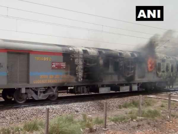 Fire breaks out in engine and generator room of anand vihar express
