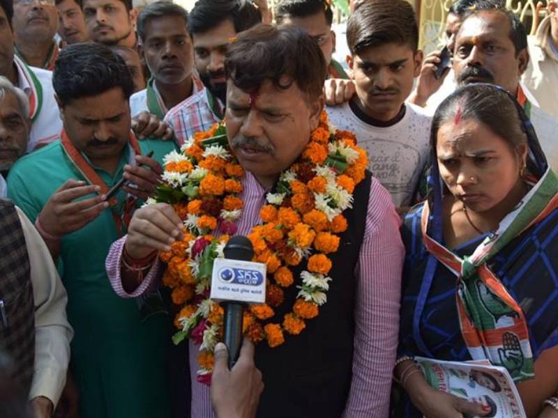 कमलनाथ के मंत्री का दावा, बीजेपी हमारे विधायकों को 50 करोड़ का ऑफर दे रही है