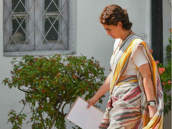 राहुल गांधी के इस्तीफे पर अब प्रियंका भी हुईं राजी?