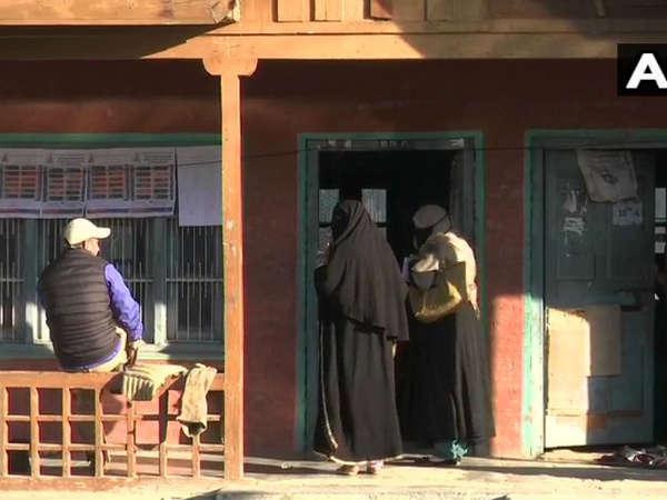 यह भी पढ़ें-जम्मू कश्मीर: पुलवामा में वोटिंग के बीच ग्रेनेड हमला