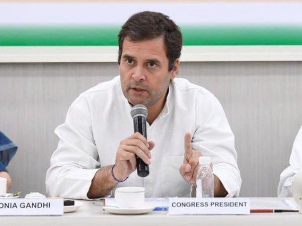 अपने इस्तीफे को लेकर अड़े राहुल गांधी, किसी भी नेता से ना कर रहे मुलाकात और ना ही फोन पर बात