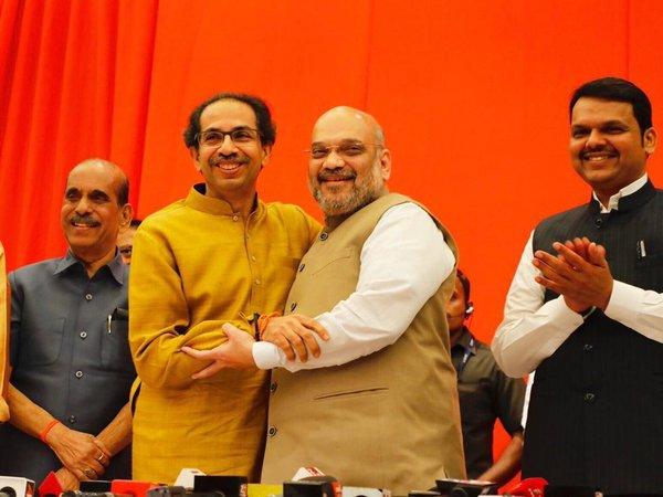 Exit Poll 2019: महाराष्ट्र में शिवसेना के लिए खतरा बन रही है बीजेपी