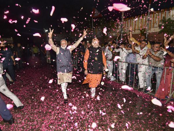 यह पढ़ें: Lok Sabha Election results 2019: 542 सांसदों की पूरी List, जानिए किसने कहां से बाजी मारी