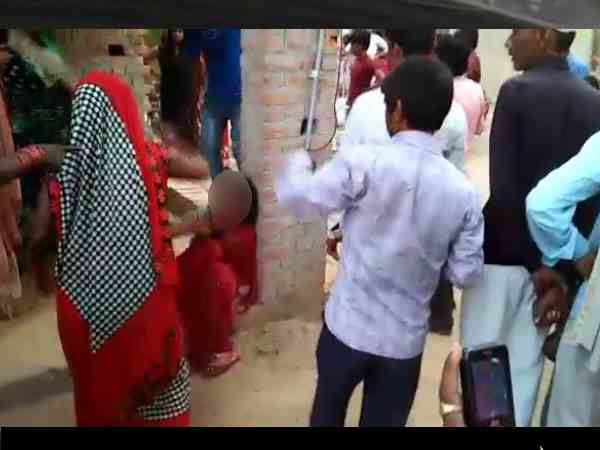 devrani and her lover beaten badly with sticks by the people
