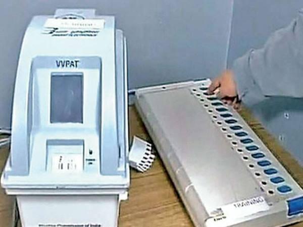 यूपी में इतने मतदान केंद्रों पर कुल मतदाताओं से ज्यादा EVM में पड़े वोट