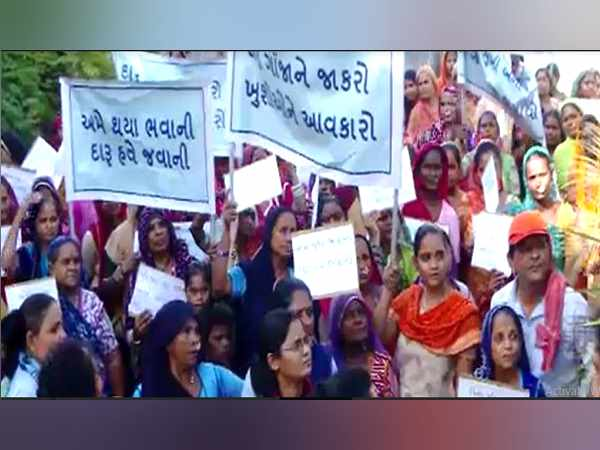 womens movement against alcohol in ahmedabad gujarat