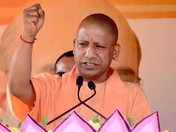 ये भी पढ़ें: योगी आदित्यनाथ ने प्रियंका पर कसा तंज, बोले-'कांग्रेस की शहजादी' सिखा रही हैं बच्चों को गाली