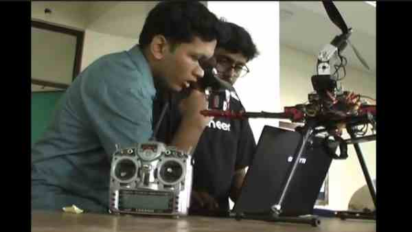 IIT kanpur students made a classic vehicle daksh for army