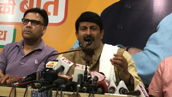 manoj tiwari on delhi cm arvind kejriwal free travel for women in metro buses
