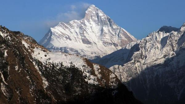 foreign mountaineers missing search operation startes after weather is clear
