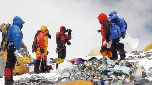 अन्नपूर्णा चोटी फतह करने निकले थे तीन रूसी पर्वतारोही, पहाड़ से अचानक हो गये गायब