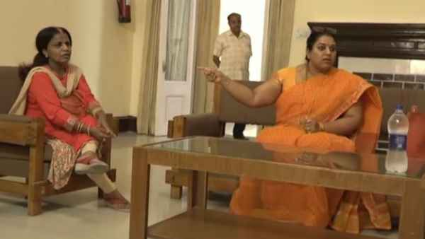 UP Women Commission Dy Chairperson Sushma Singh threatens to a doctor Kiran Singh
