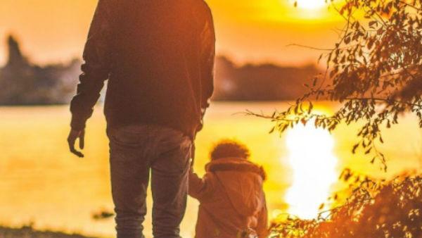 इसे भी पढ़ें- Happy Father's Day 2019: अपने पापा को भेजिए ये प्यार भरे संदेश और बनाइए ये दिन बेहद खास...