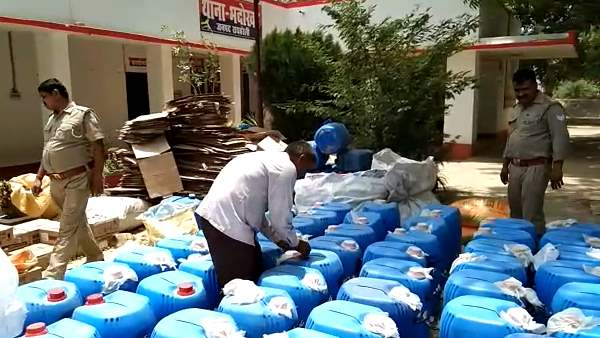 fake liquor factory busted in raebareli 7 arrested