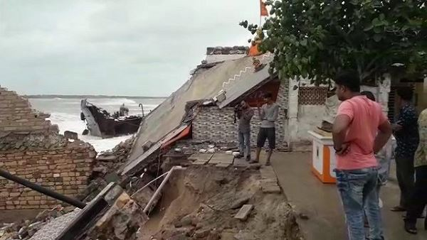 Watch video: Cyclone Vayu effects as sea waves, Temple destroyed in porbandar
