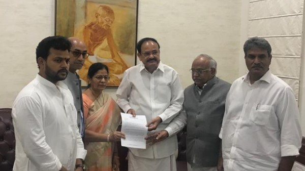 5 TDP MPs meets Venkaiah Naidu today, to challenge defection of their 4 erstwhile colleagues to BJP