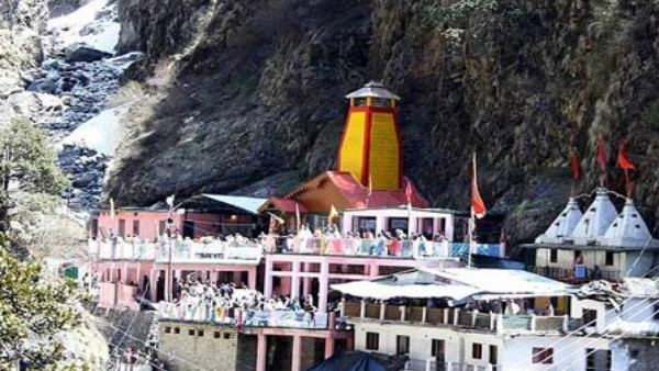 uttarakhand: pilgrims in yamunotri complains about priests for covering donation box